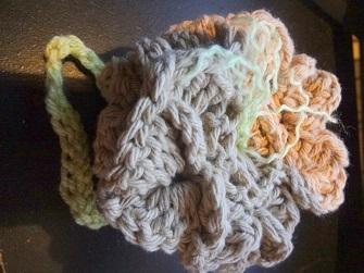 http://www.niftynnifer.com/2013/08/free-washcloth-poof-crochet-pattern.html