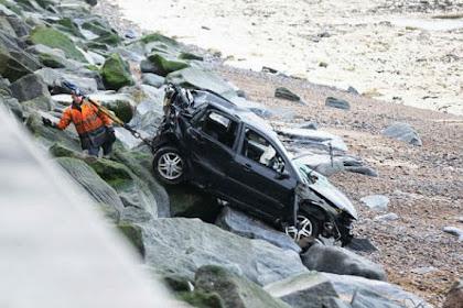 Jatuh dari Tebing 24 Meter, Pemilik Mobil Hanya Luka Kecil
