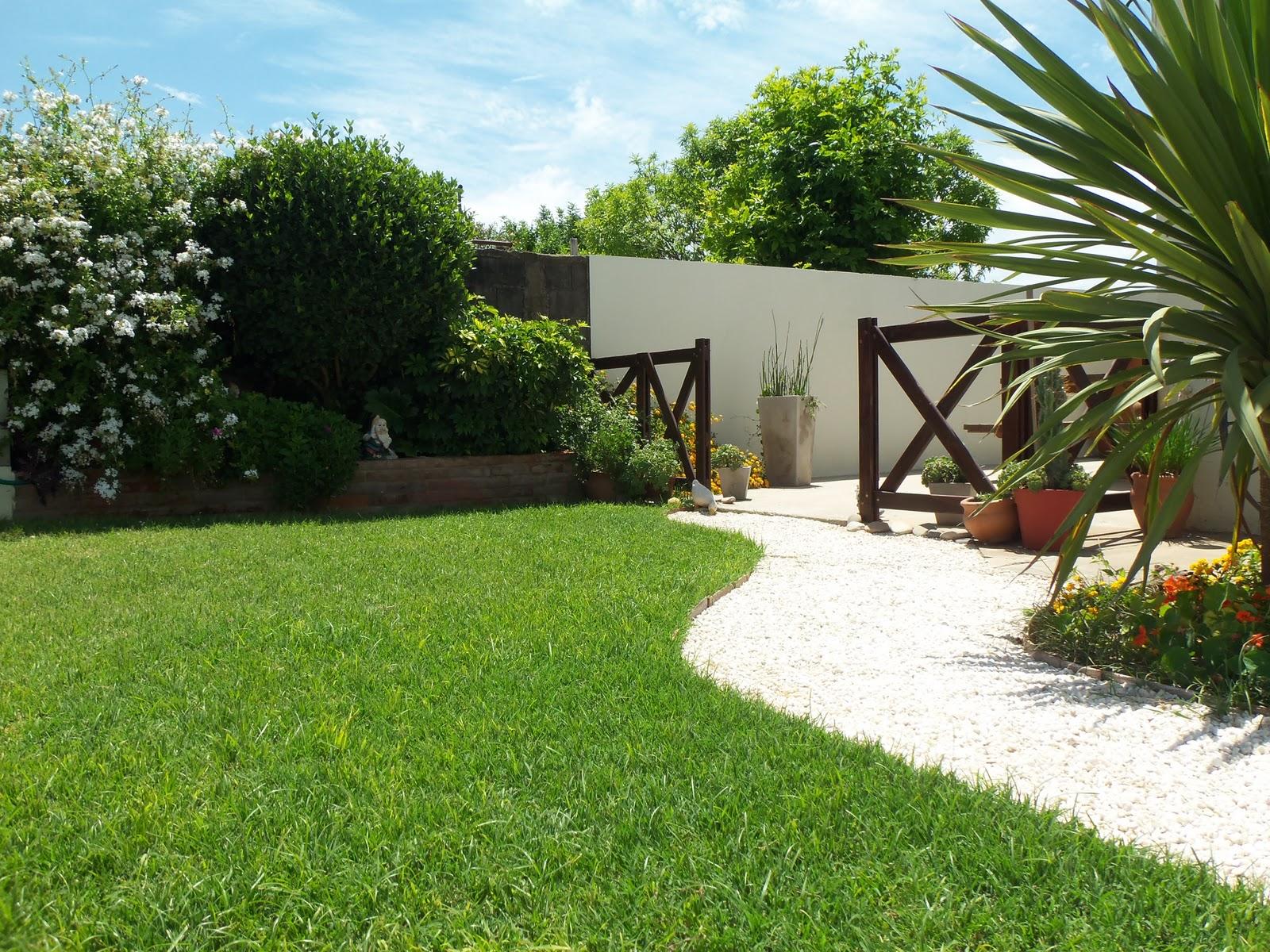 Mi jard n feliz el jard n de casa for Casas mi jardin