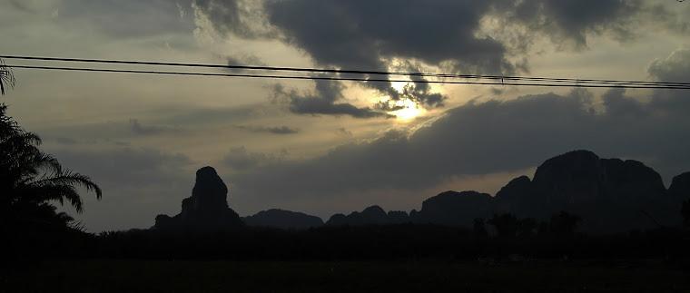 BORDERLESS WORLD (Thailand)
