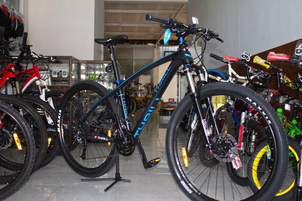Sepeda MTB 275 Inch Thrill Ravage 40 AE Rp 3350000