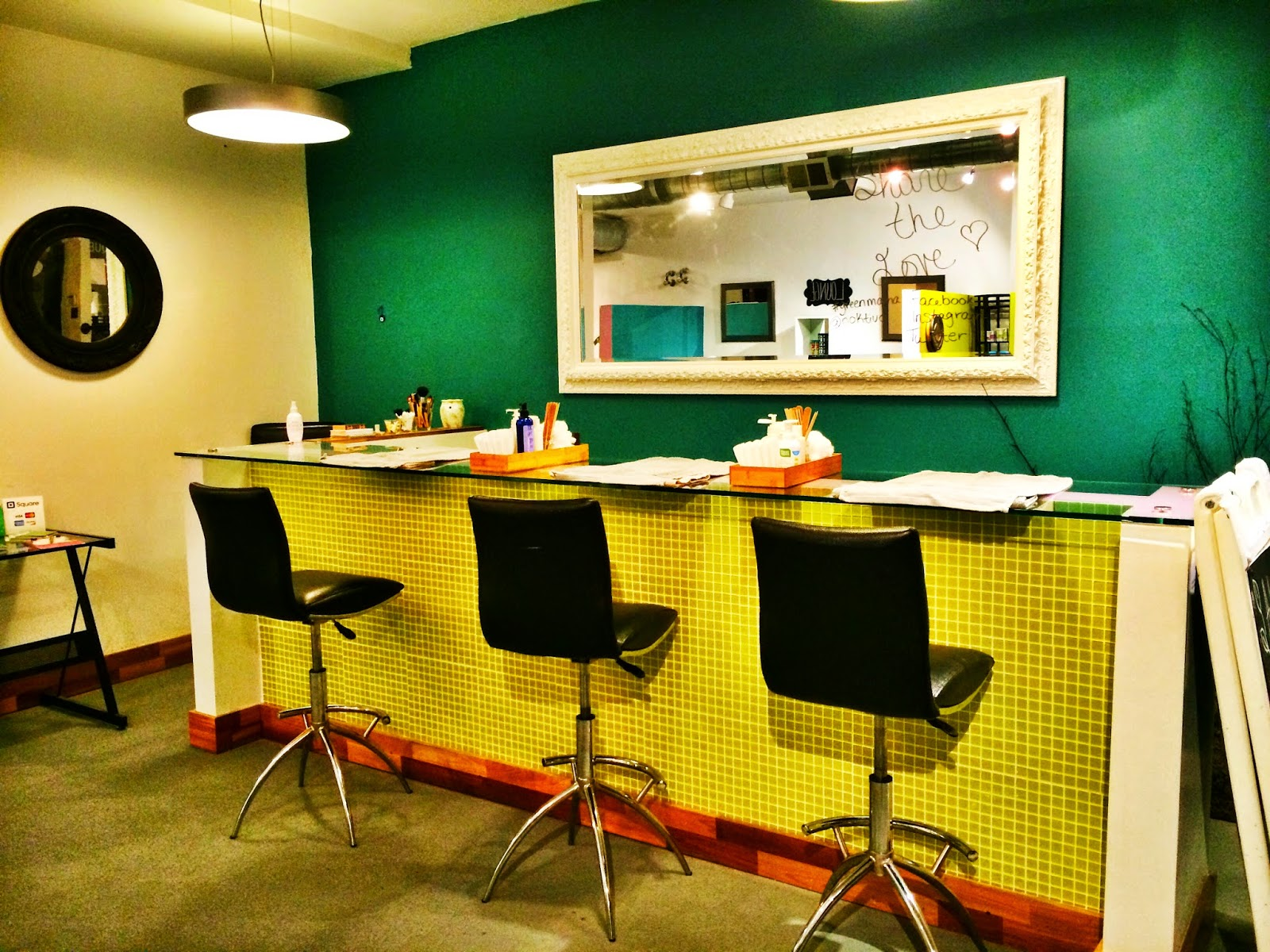 Noktivo Spa Manicure Station | all dressed up with nothing to drink...