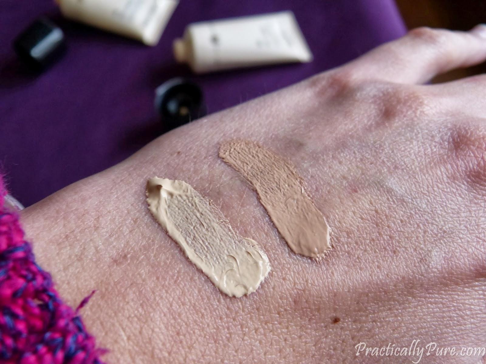 Swatch Dr Hauschka Translucent Foundation Porcelaine en Pale Sand
