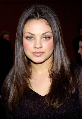 Mila Kunis Beautiful Hollywood Actress HQ Wallpaper-102-800x600