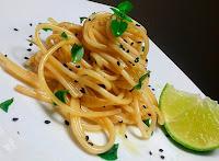 Espaguete ao Molho de Limão e Manjericão (vegana)