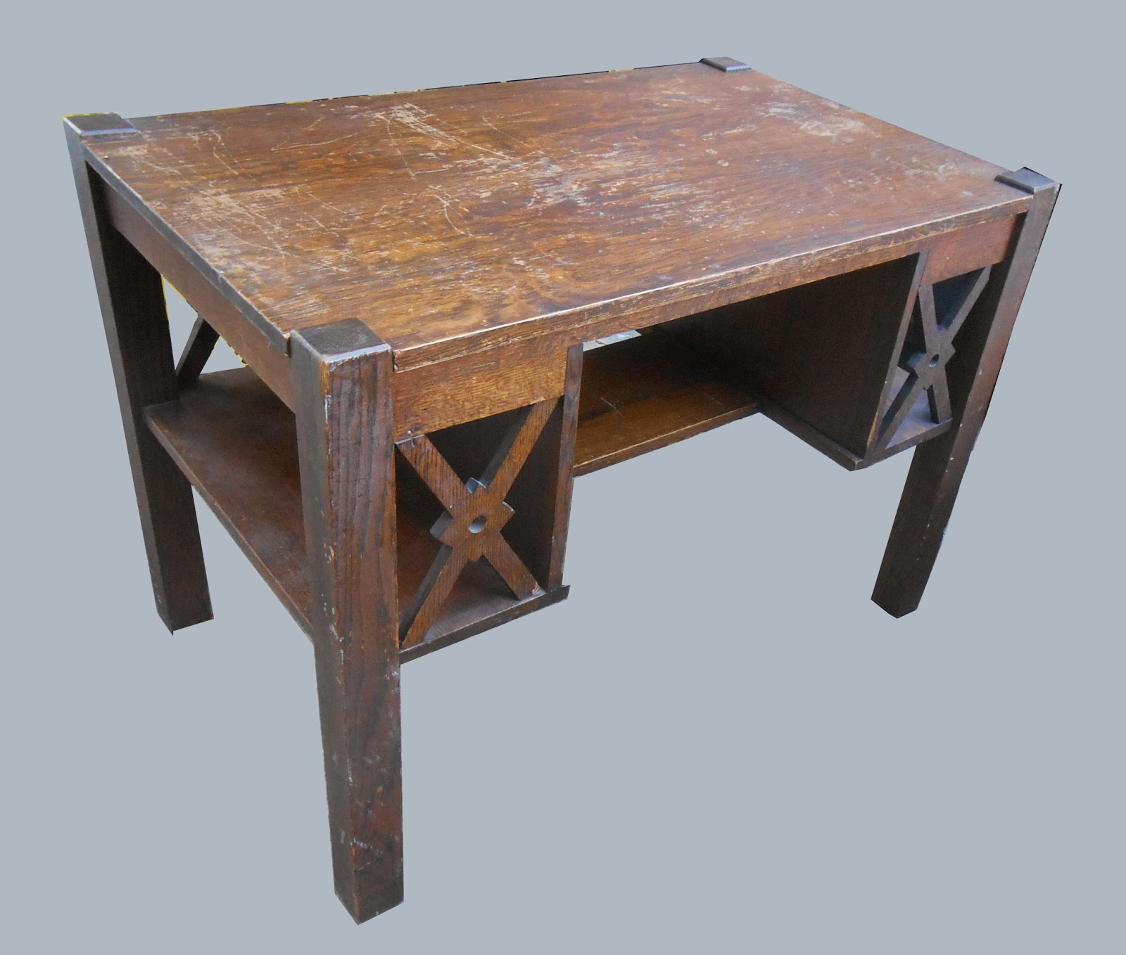 Uhuru furniture green unique affordable on pinterest for Unique looking desk