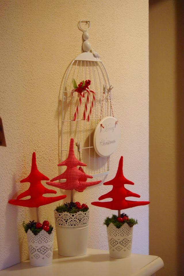 Choinki z materialu, dekoracje na Boże Narodzenie