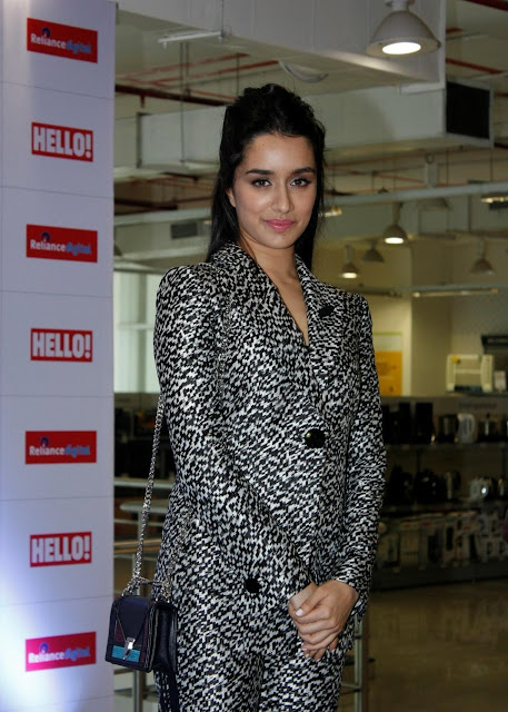 Shraddha Kapoor Looks Super Sexy At Hello Magazine Cover Launch In Mumbai