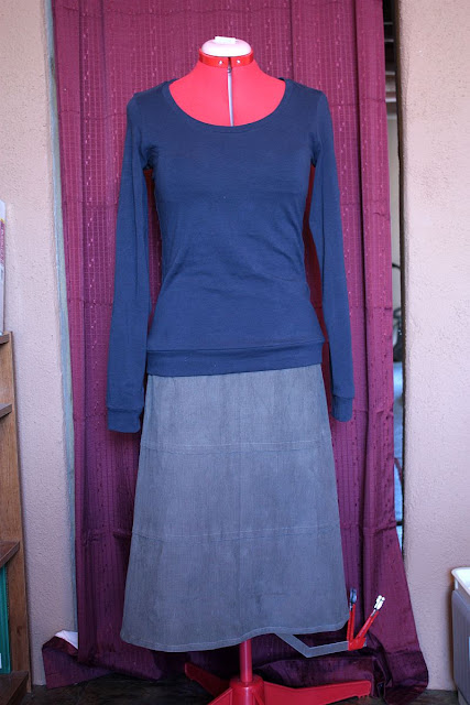 Amy Butler Barcelone Skirt and Sewaholic Renfrew Top