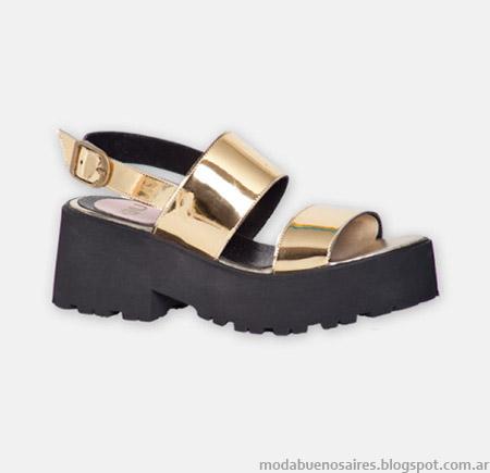 Sandalias primavera verano 2015 Hoku Shoes doradas.