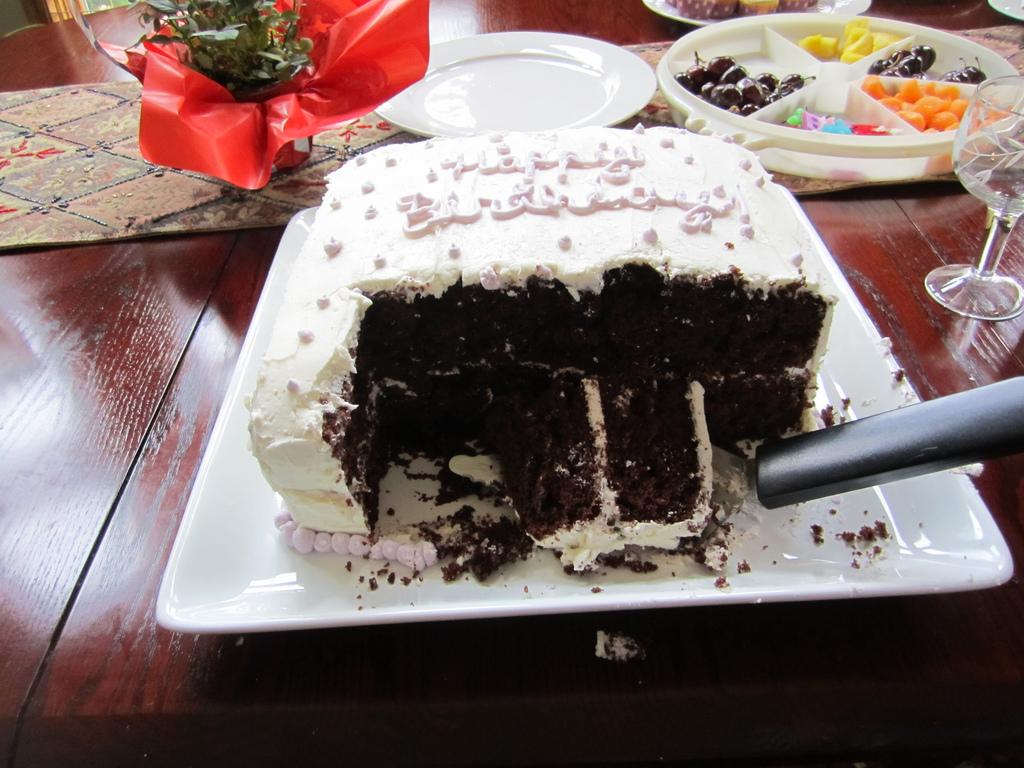 Cake Makes Yu Fat Misa