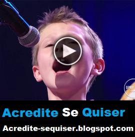 Menino de Apenas 10 Anos Impressiona Com a Sua Voz Incrivelmente Fenomenal