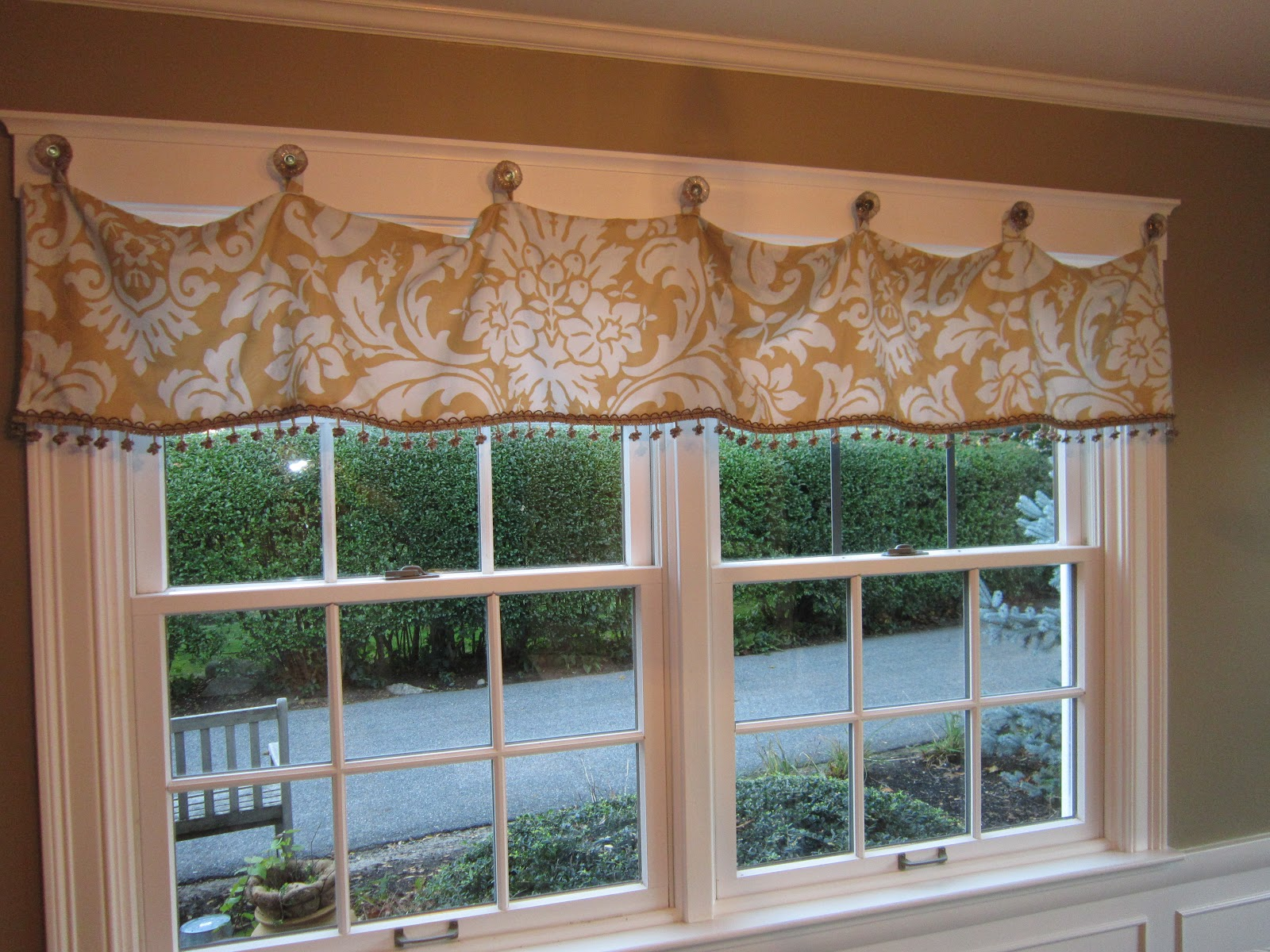 simply vintage by the sea fun window treatment