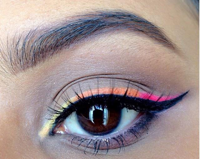 trucco eyeliner multicolore