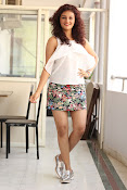 Seerat Kapoor New glam stills-thumbnail-16