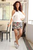 Seerat Kapoor New glam stills-thumbnail-16