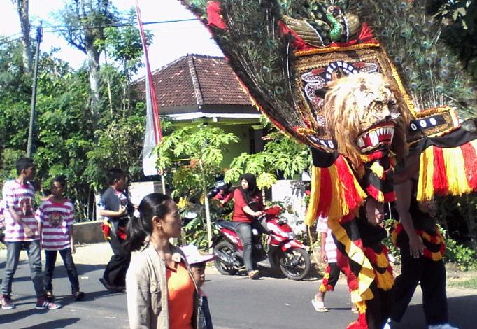 Meriahnya Karnaval di Gandusari, Trenggalek