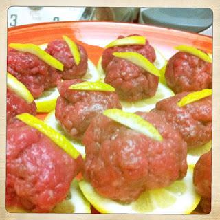 palline di carne cruda profumate al limone