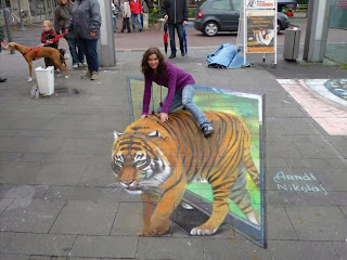 Amazing Street Art Of A Girl And Loin