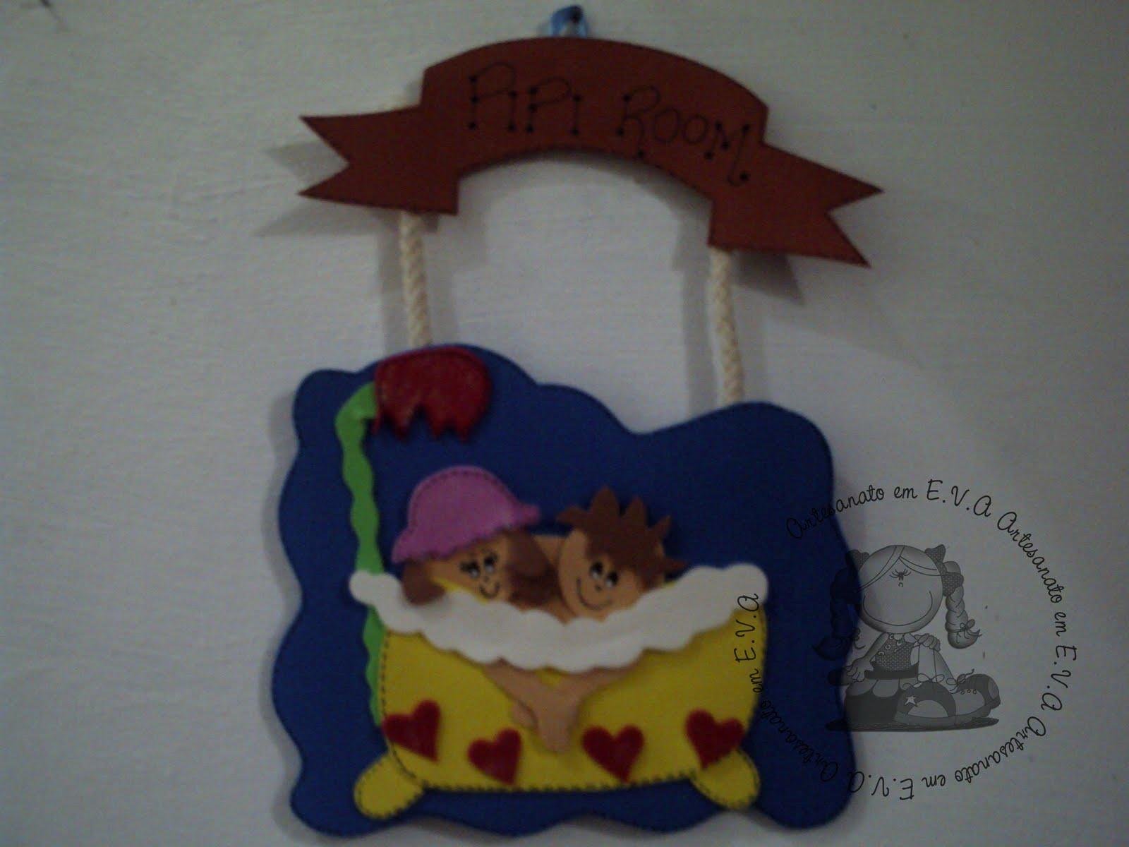 Artesanato em Eva: Placa de Porta de Banheiro #6E611F 1600 1200