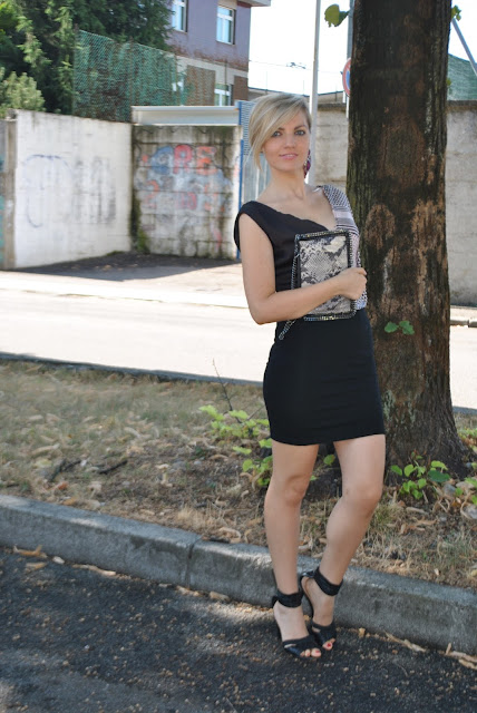 outfit gonna nera come abbinare la gonna nera abbinamenti gonna nera gonna nera aderente mariafelicia magno fashion blogger colorblock by felym fashion blog italiani fashion blogger italiane blog di moda outfit estivi donna outfit estate 2015 outfit agosto 2015 summer elegant outfit for girls blondie blonde hair blonde girl ragazze bionde