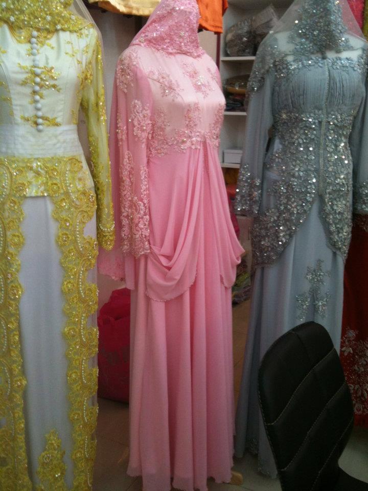 Lagi design terkini baju pengantin boleh didapati di Butik kami