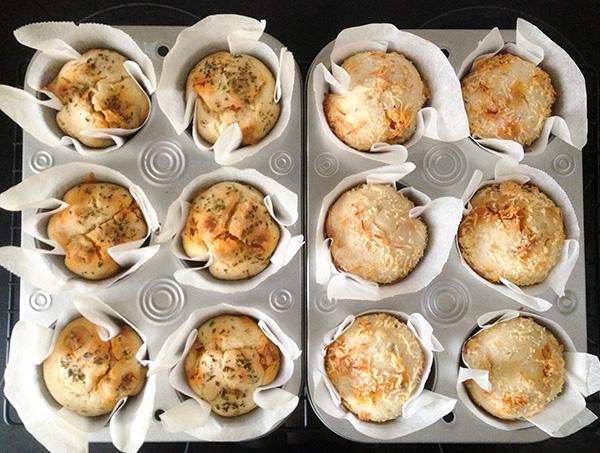 muffins salados de chorizo recién salidos del horno