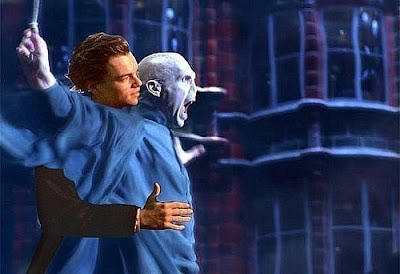 Képek minden mennyiségben - Page 2 Voldemort-Funnies-harry-potter-23760485-500-342