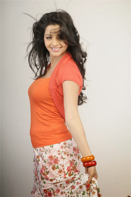 Vedhika Latest Unseen Photos