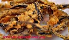 resep praktis dan mudah membuat (menggoreng) makanan ringan keripik belut spesial enak, renyah, lezat