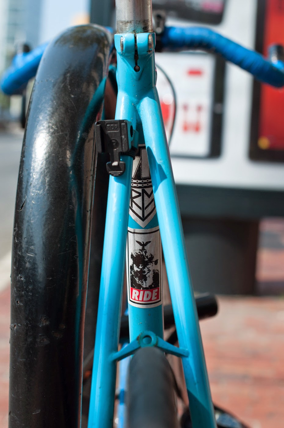 Fixie, fixed speed, bicycle, boston, USA, custom, customised, blue, tim Macauley, the biketorialist, shimano, frame, 3t, ritchey, tiagra , decal, sticker, ride