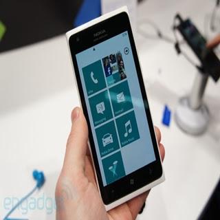 ATT Nokia Lumia 900 White