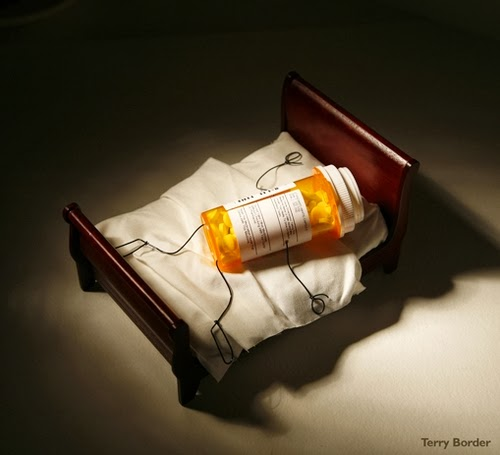 10-Sleeping-Pills-Terry-Border-Photographer-Bent-Objects-Sculptures-www-designstack-co