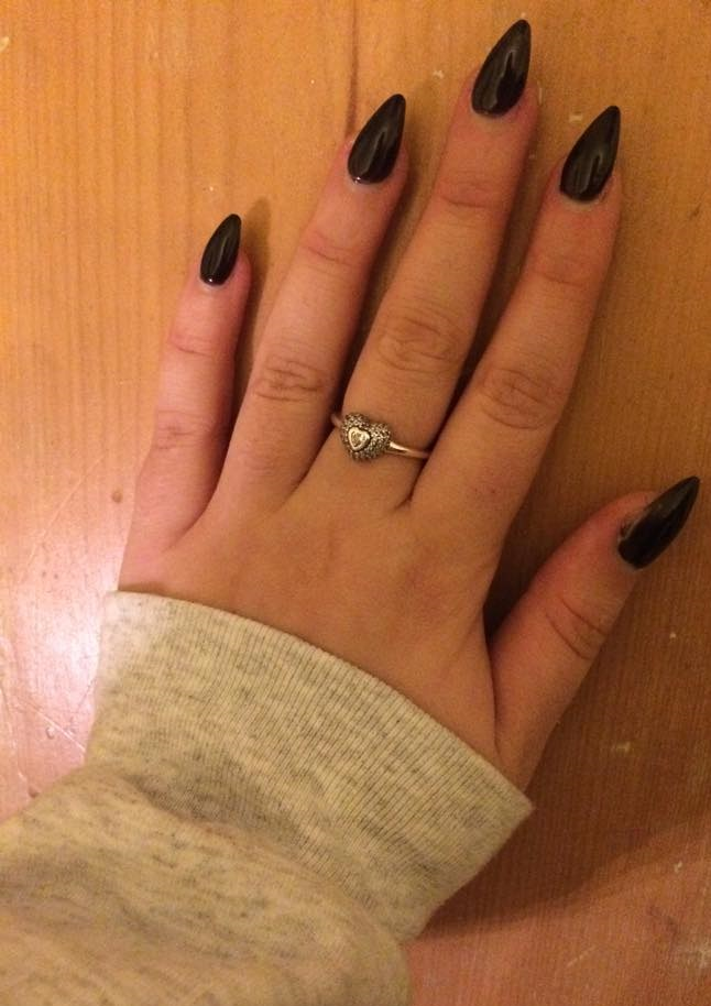 Abbi Scarlet: Tips and Tricks: Acrylic Nails