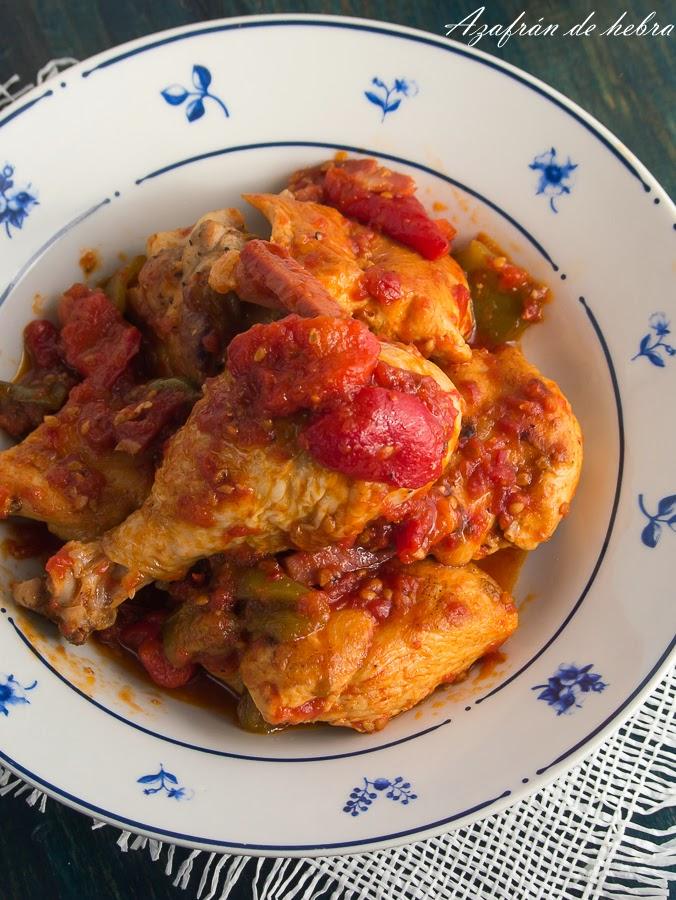 Pollo con tomate y jamón