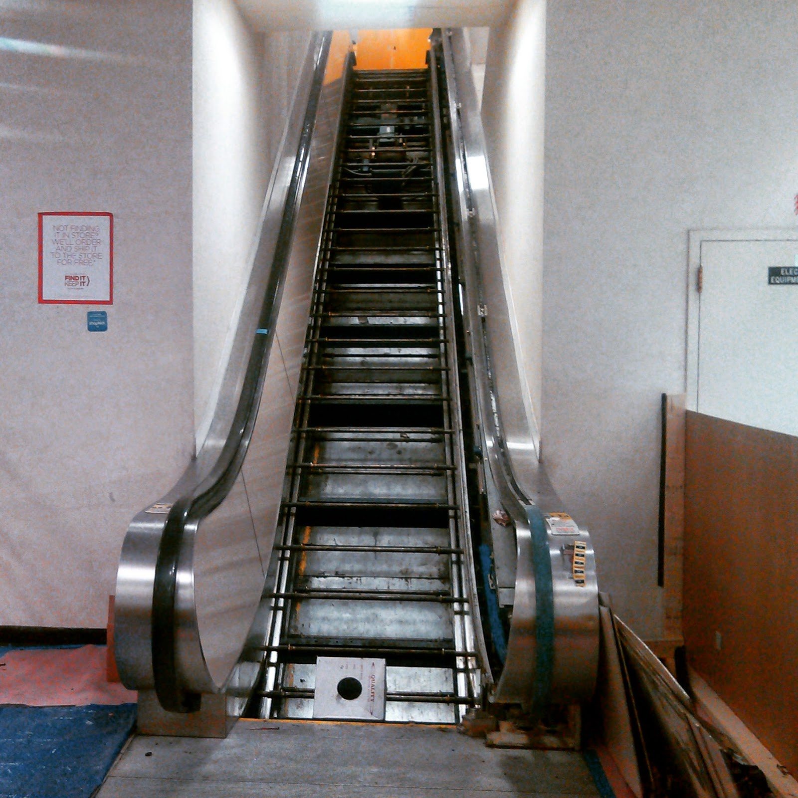 2 on the escalator from the same day last summer 4