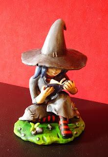 orme magiche morgana strega streghetta statuette sculture action figure personalizzate fatta a mano modellini mascotte da colorare