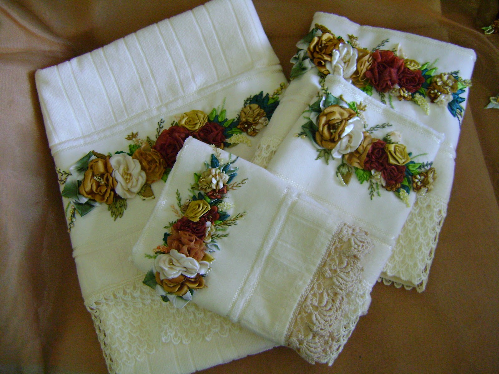 Cortinas De Baño Bordadas A Maquina:embalagens para as toalhas bordada a maquina com puxadores em fio de
