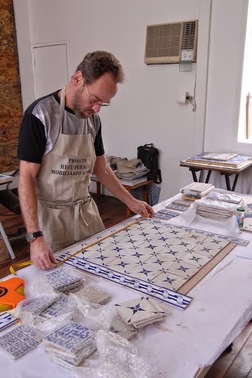 Galeria Scenarium promove oficina de criação de azulejos