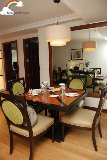 Discovery Suite Ortigas dining area