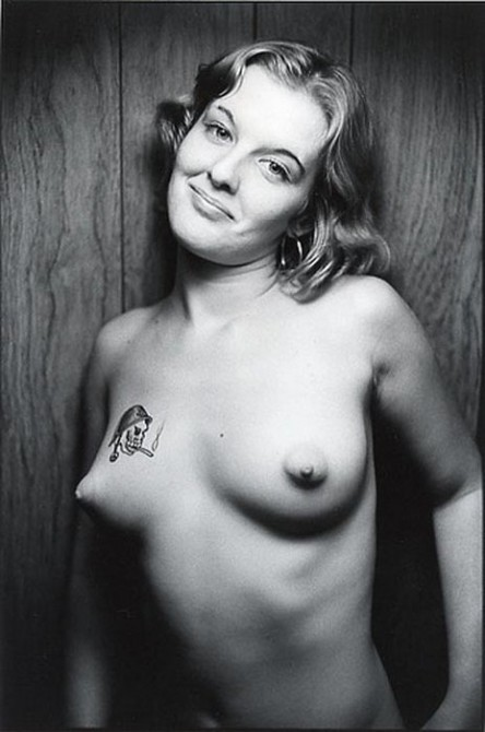 Jo worked in a nude model