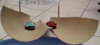 Membuat balap mobil mainan dari Lintasan Pipa Kardus Bekas