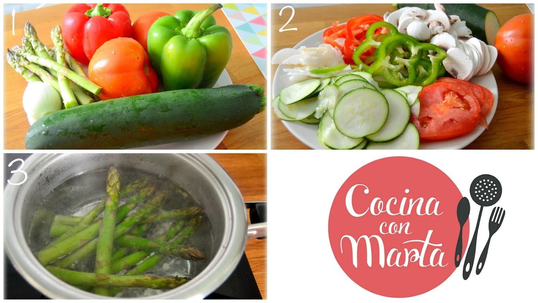 Hojaldre de verduras, receta casera, tomate, espárragos, champiñones, calabacín, pimiento, cebolla, ajo, perejil, Cocina con Marta