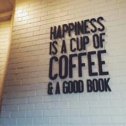 Köszöntelek a Könyvek & Kávé blogon!