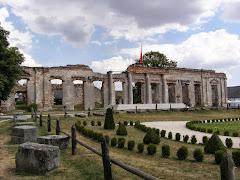 Ruiny pałacu w Fortalicji Sobkowskiej