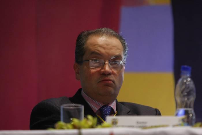 Nuestras maricaditas gobierno colombiano no toma partido for Nuevo ministro del interior