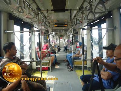 FOTO : TransJakarta (Busway) Koridor VIII ( Lebak Bulus – Harmoni ).