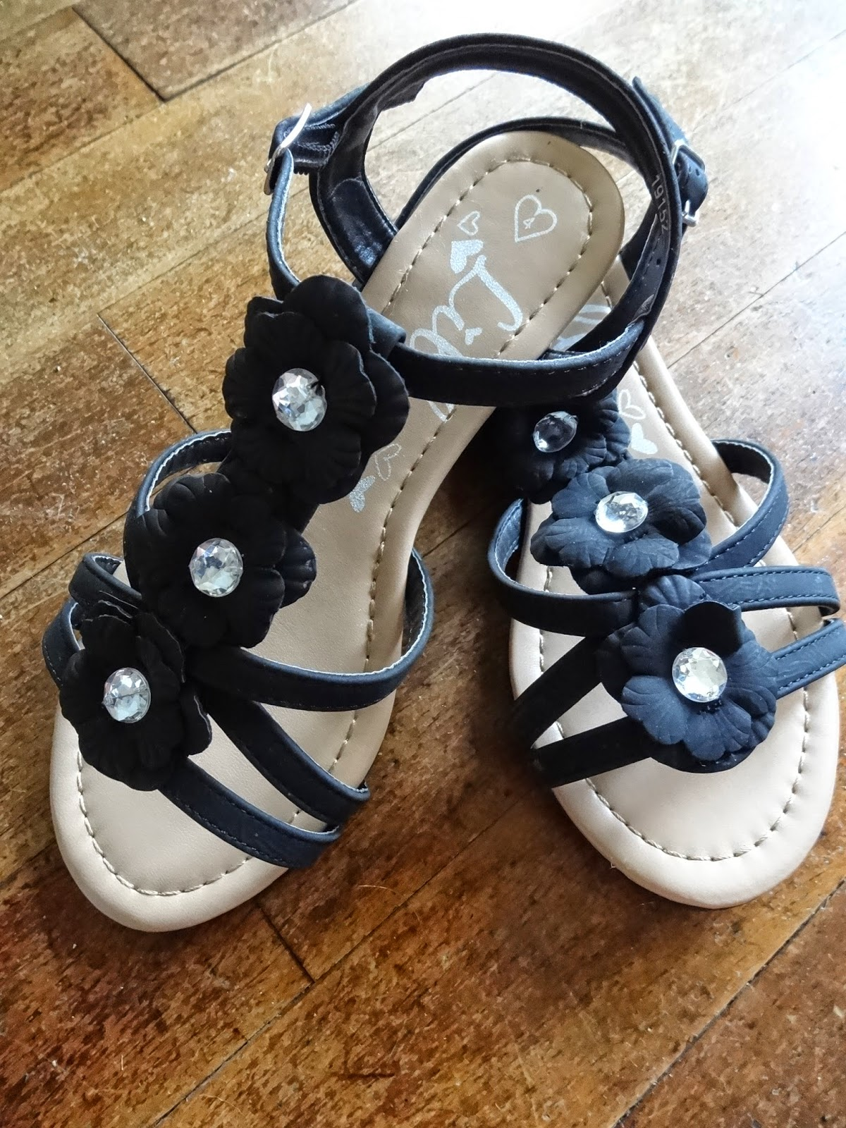 Shoes zone sandals - These Are The Lilley Strappy Wedge Flower Sandals In Black And I Love Them I Was Instantly Impressed With How Good Quality The Sandals Look