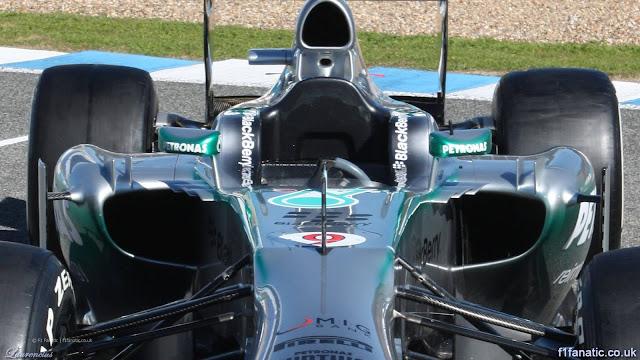 Foto-Mobil-Mercedes-W04-F1-2013_3