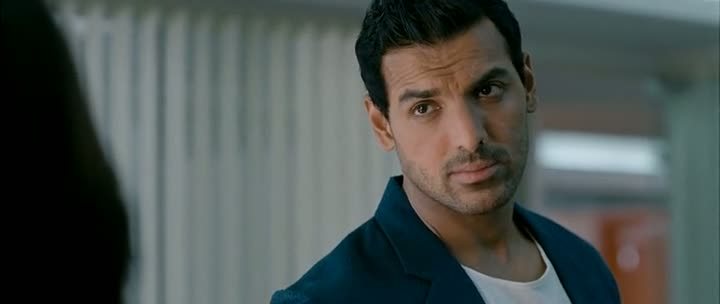Screen Shot Of Hindi Movie I Me aur Main 2013 300MB Short Size Download And Watch Online Free At World4ufree.Org